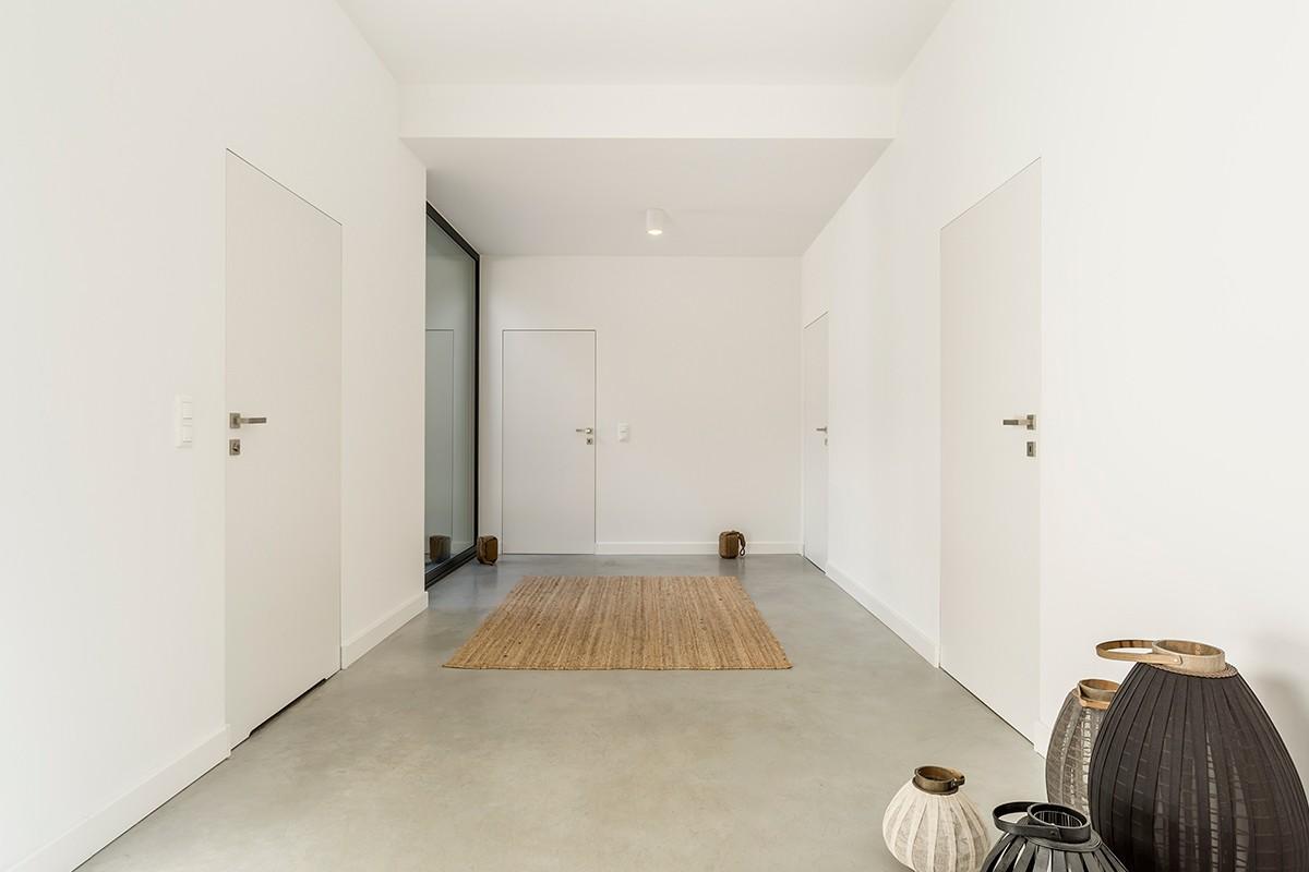 החלפת דלתות פנים לבית - שדרוג העיצוב במהלך אחד